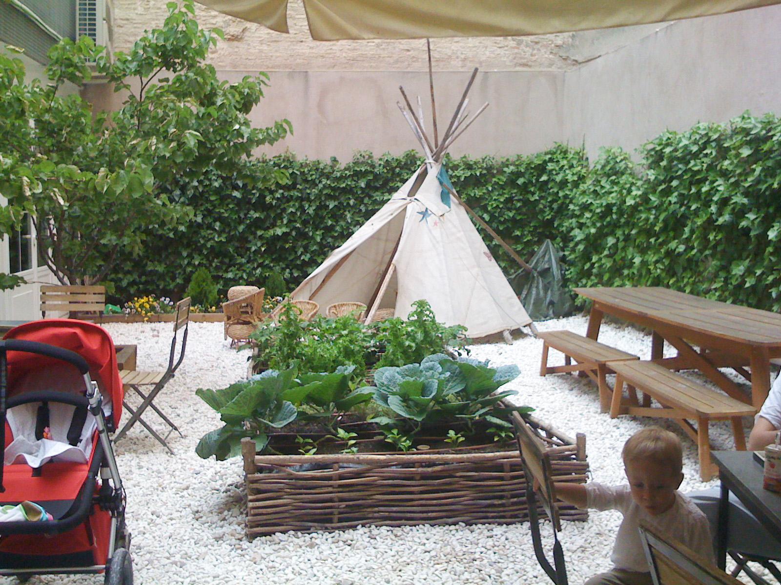 Baby deli nataliagustafsonblog for Piedras para patio